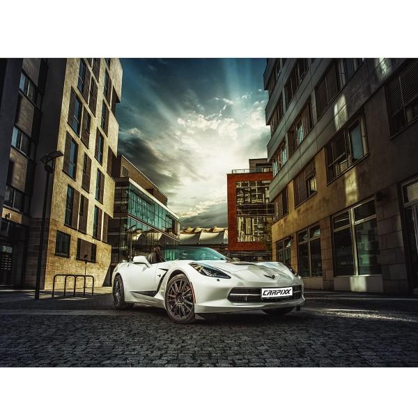 Weiße Corvette C7 Innenstadt