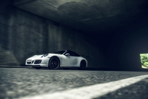 Porsche Carrera 4 GTS Tunnel